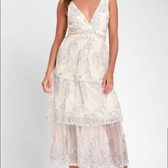 Lulu's Dresses & Skirts - NWT Lulu's Blue and White Lace Midi Dress